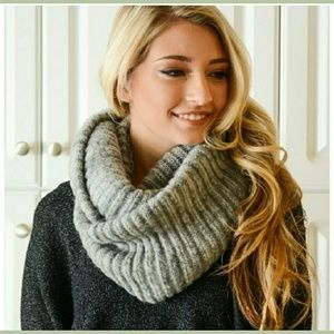 Accessories - Gray Knit Infinity Scarf